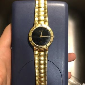 Vintage Gucci 3300M SWISS quartz unisex watch